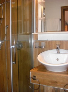 Moderne trifft Tradition - das Bad
